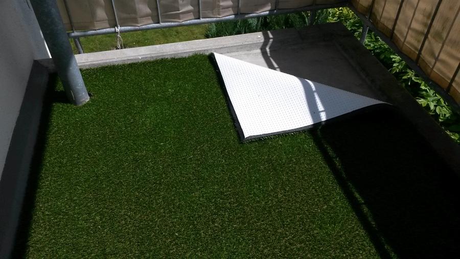kunstrasen auf balkon erfahrungen das beste aus. Black Bedroom Furniture Sets. Home Design Ideas