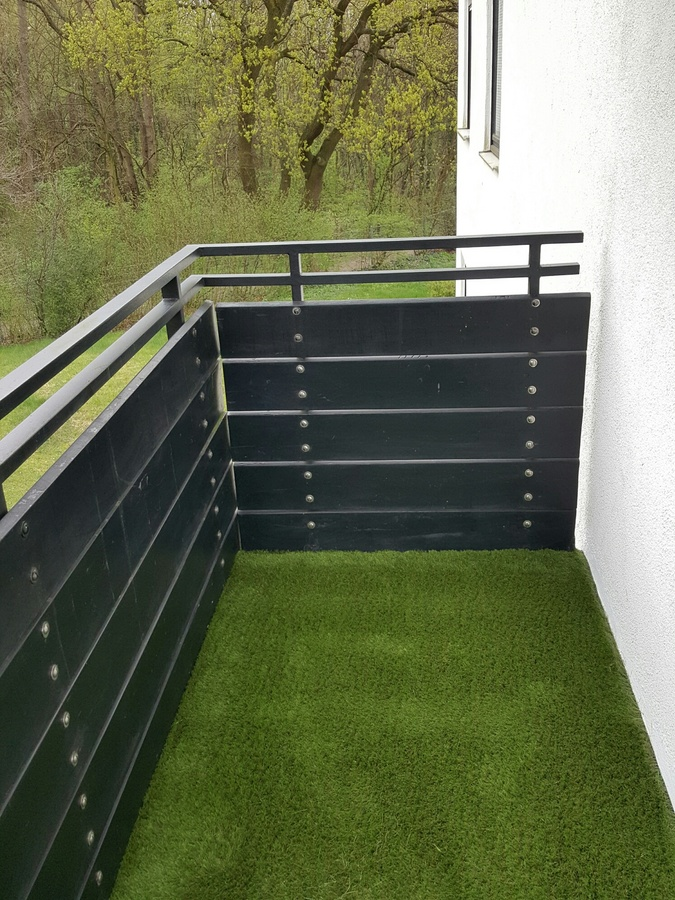 kunstrasen auf balkon in nauheim easylawn. Black Bedroom Furniture Sets. Home Design Ideas